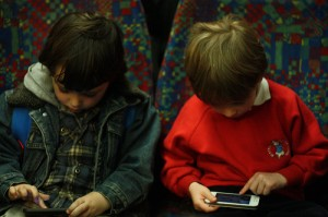 Electronic devices, such as mobile phone or tablets, may be reducing kids' ability to focus on tasks.