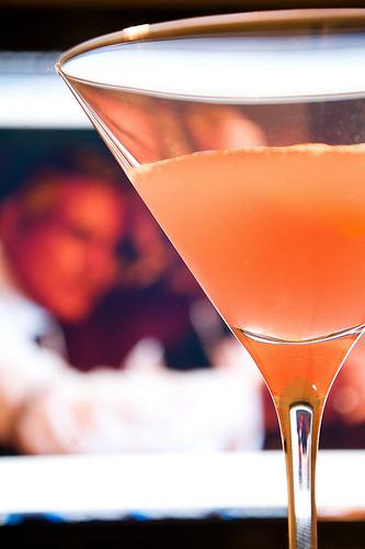 ...любимый коктейль - Сosmopolitan Ингридиенты: водка лимонная - 40 мл...