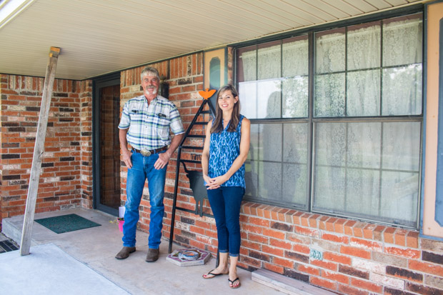 Dennis Von Tungeln and his daughter, Amanda Rosholt, at a family home near Calumet, Okla. Von Tungeln wrote a $500 check to a political committee backing a 'yes' vote on State Question 777.