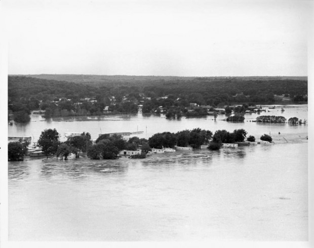 Neighborhoods and mobile home parks in Tulsa after the Arkansas River flooded in October 1986.
