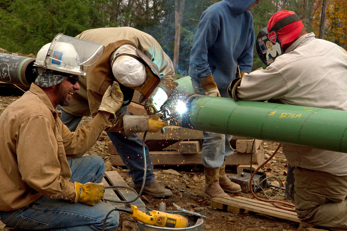crews weld a pipeline the loyalsock state forest