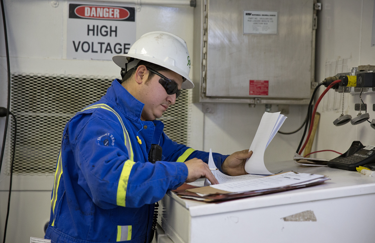 where do pennsylvania s gas industry jobs numbers come from erik melendez of texas checks paperwork on a drilling site in susquehanna county every