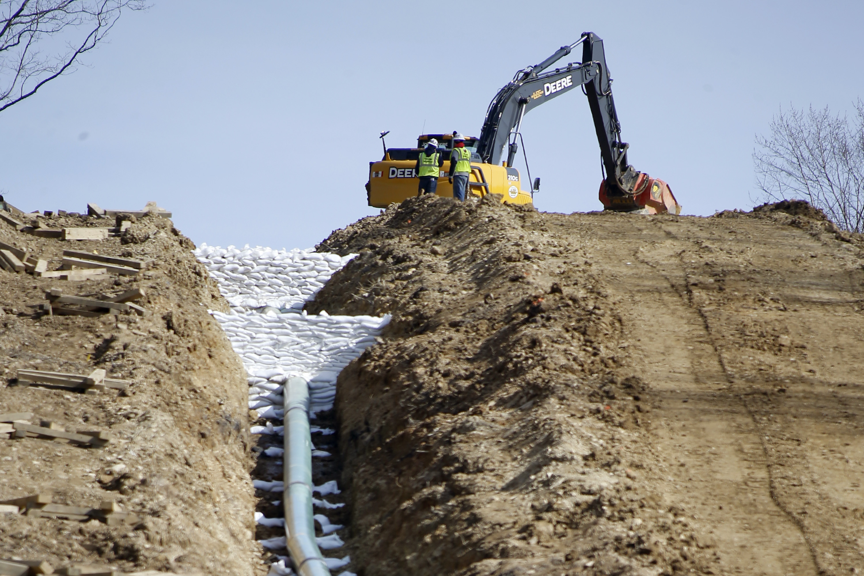 Natural Gas Pipeline Installation : Attorneys advise landowners to get involved in pipeline