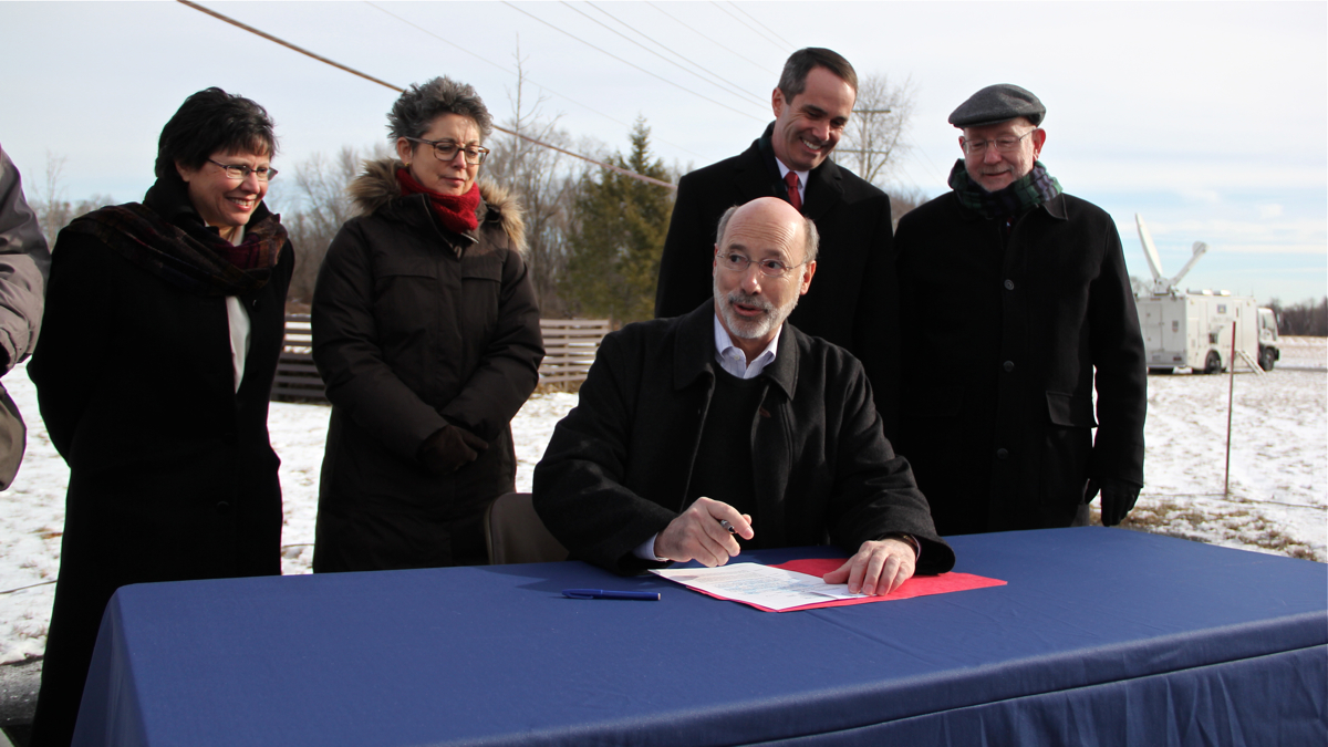 Gov. Wolf bans new drilling in state parks and forests ...