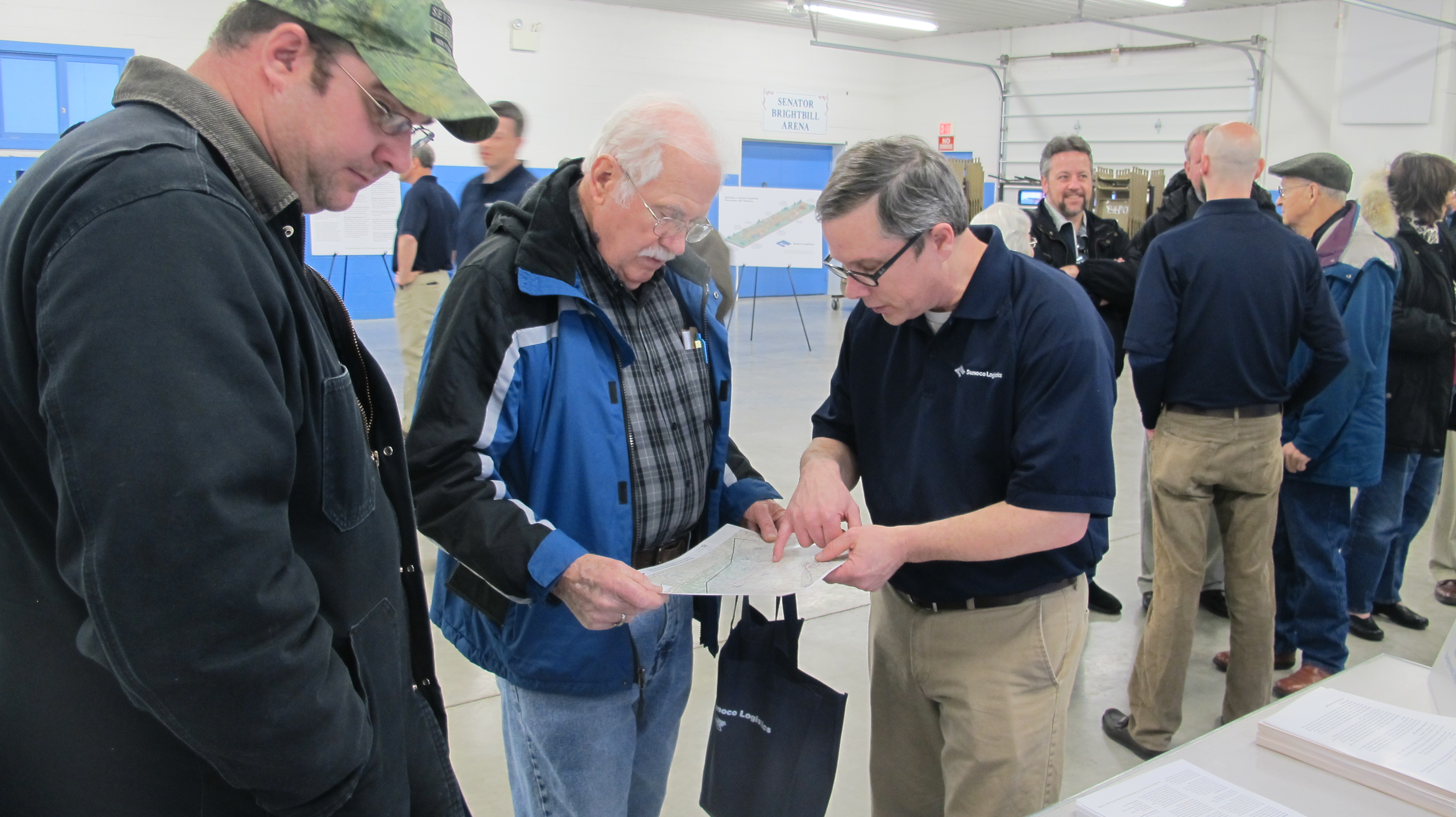 Sunoco touts natural gas liquids pipeline in lebanon stateimpact a sunoco logistics employee discusses the mariner east 2 pipeline with residents in lebanon sciox Choice Image