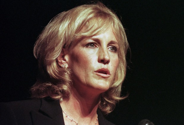 "Erin Brockovich speaks at the Everywoman's Money Conference in Pittsburgh on Friday Sept. 8, 2000. Brockovich, the subject of the movie ""Erin Brockvich,"" is a legal aide who helped win $333 million in compensation from Pacific Gas & Electric for residents of Hinkley, Calif., whose water was found to be contaminated."