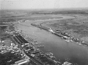 Aerial photo shows Bivalve to the left and Maurice River (town) to the right. Maurice River had shucking houses and was serviced by the West Jersey (Pennsylvania Railroad)