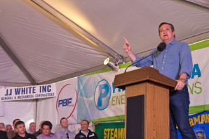 Texas Senator Ted Cruz speaks to refinery workers in Philadelphia.