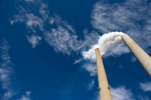 A recent drop in carbon emissions in the U.S. could only be temporary, a new report warns.